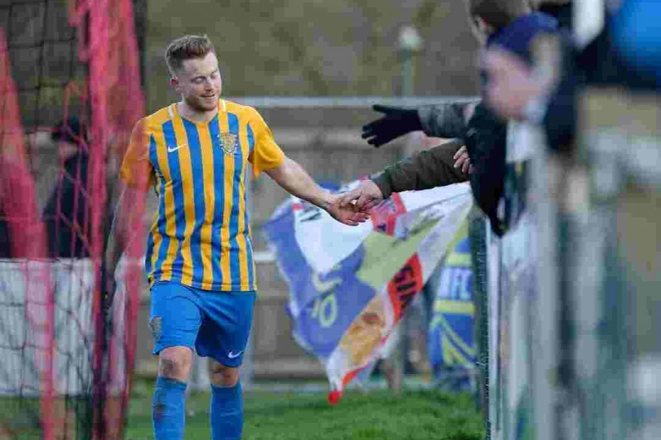 Simon Dunn Signs For Basingstoke