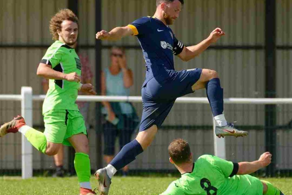 Adam Everiss re-signs for Basingstoke Town FC